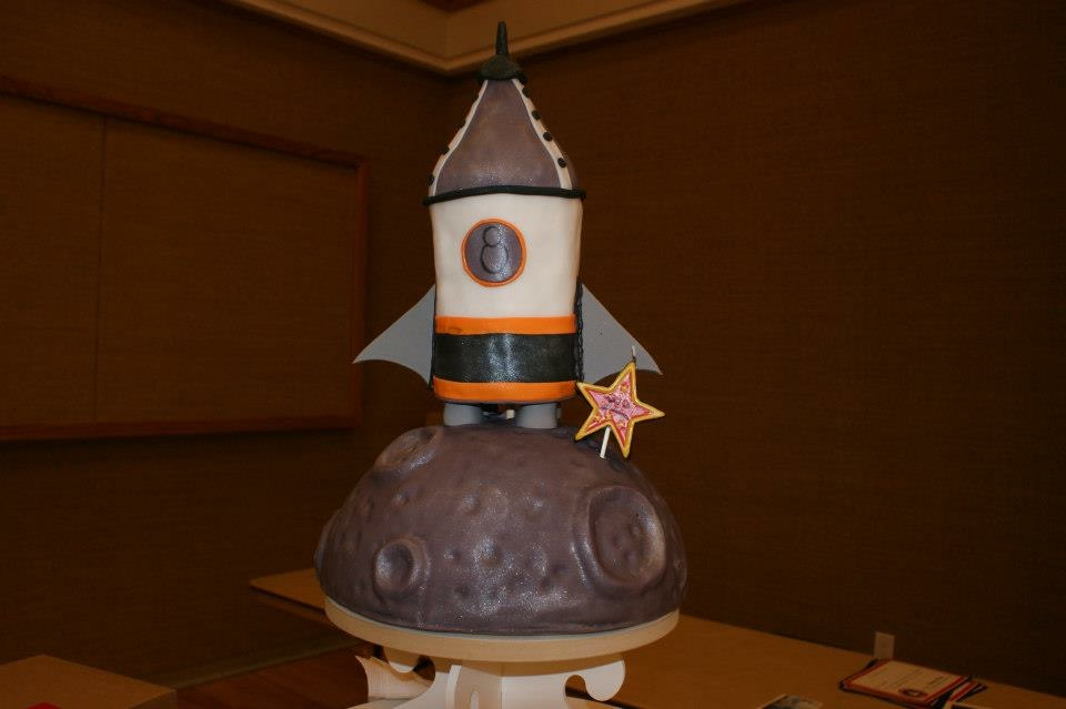 Rocket on the Moon cake